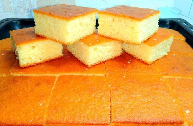 Як приготувати пишний пиріг на кефірі за 5 хвилин? Тісто дуже м'яке, просто тане в роті
