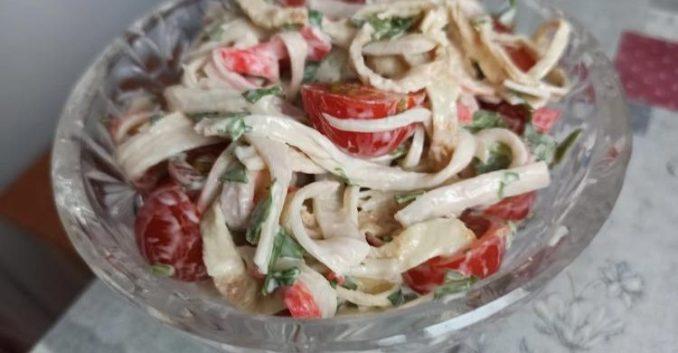 Ніхто не здогадався, з чого цей салат! Цікавий варіант салату з крабовими паличками