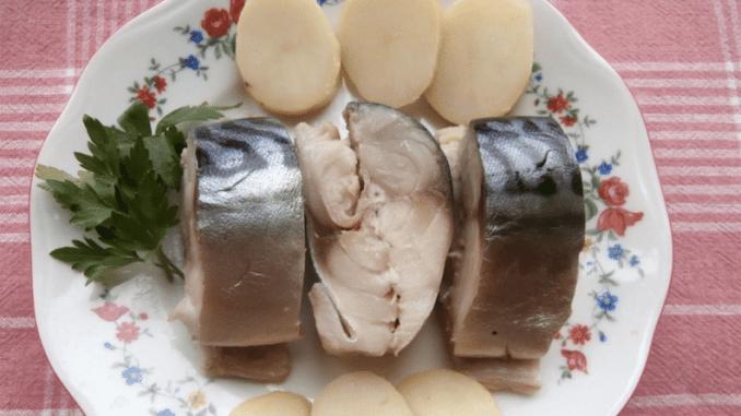 Це найвдаліший рецепт засолювання скумбрії. Завдяки маринаду, скумбрія виходить як копчена!