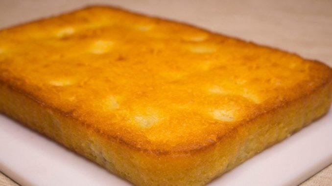 Смачний манник з бананами: пиріг готується на кефірі і без борошна. Виходить дуже смачно і швидко