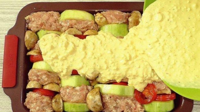 Фарш, кабачки + заливка — і в духовку! Смачна вечеря для всієї родини!