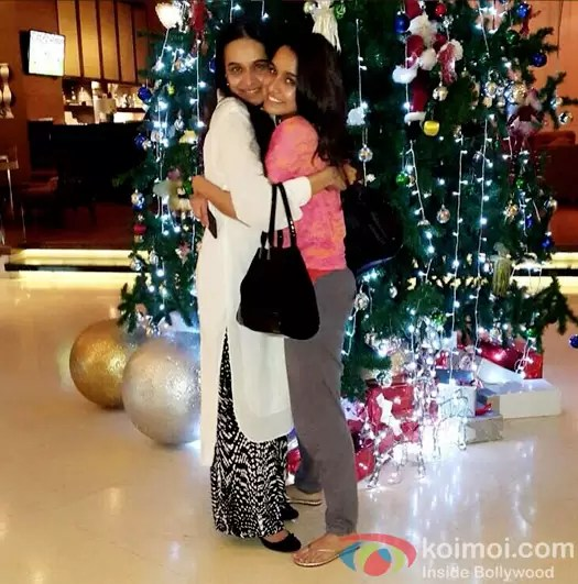 shraddha-kapoor-celebrates-christmas-with-her-mother-in-bangkok-1