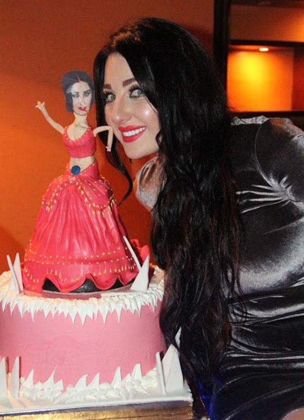صافيناز صوفينار تحتفل بعيد ميلادها