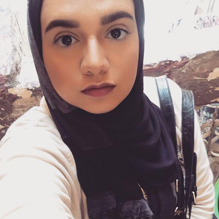 ابنة احمد صيام