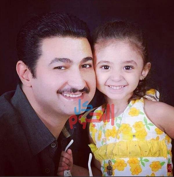 شاهد صورة لابن ياسر جلال.. وهذه زوجته