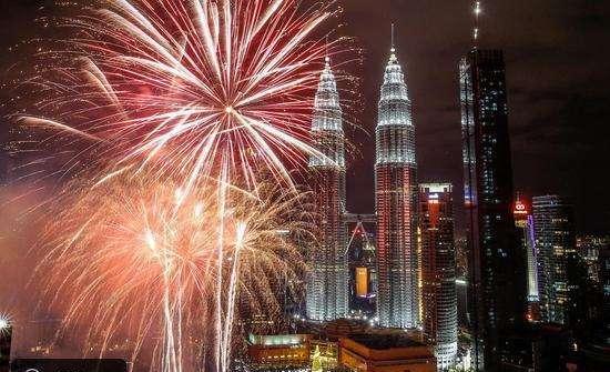 جانب من الاحتفالات في بمدينة كوالالمبور ماليزيا