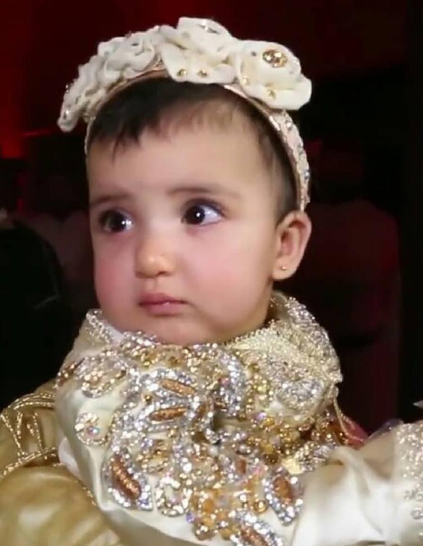 57bc9cba21059f04da3641050d569707aac95010 311217083943 - دنيا بطمه تتباهي بمجوهرات ابنتها غزل في حفل عقيقة أسطوري أقيم لها