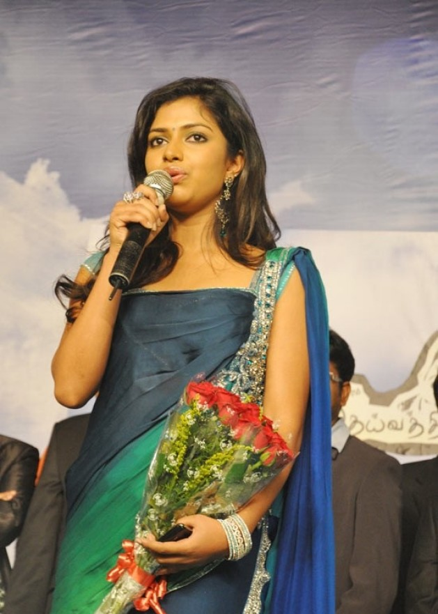 Big Cute Wallpapers Amala Paul Hot Photo Wallpapers Collections 2012 My Blog