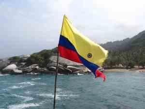 Kolumbienflagge Tayrona Park