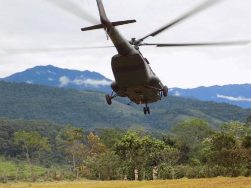 Helikopter vor Andenpanorama ©Stephan Kroener