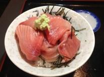 (3) Maguro-NakaochiDon. Photo by author.