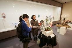 取材を受けるグランプリ:望月まゆの会(佐久市)