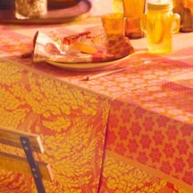 ガルニエ・ティエボー グラミネ オレンジ テーブルランナー