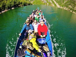 boat dragobia tour