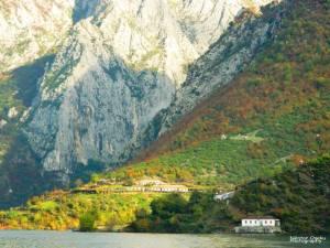 komani lake guesthouse berisha