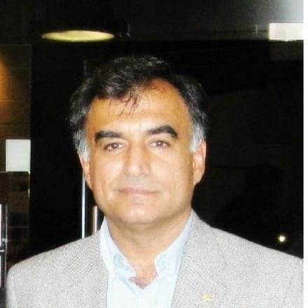 الاستاذ روبرت أمين استاذا مساعدا في جامعة كومار