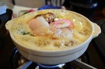 昼食はあんこう鍋セット。残ったスープで雑炊を…、言うことなしでした。満足満足!