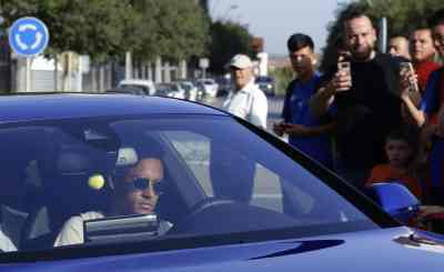 Neymar On Cusp Of Record-Breaking Move To PSG
