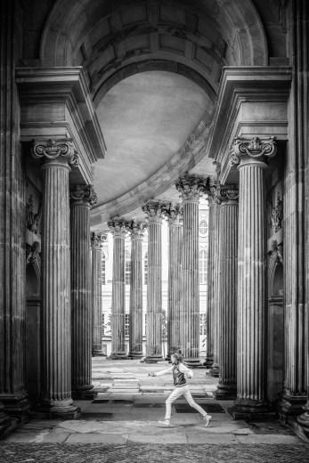 """Frank Meinel """"Zwischen den Säulen"""""""