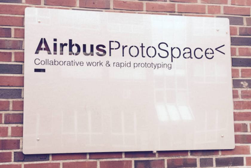 ProtoSpace Eingang Corporate FabLab Airbus