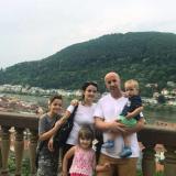 Tochter in Deutschland - Familienzusammenführung einer nach Albanien abgeschobenen Familie!