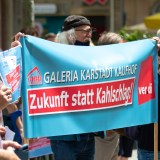 Kundgebung für Erhalt der Arbeitsplätze bei Galeria Kaufhof in N7 [mit Bildergalerie]