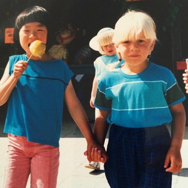 Historien om hvordan mit ældste venskab endte med at varme 102 par børnefødder