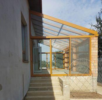 Закрытая терраса с раздвижными системами Ponzio