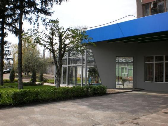 Экстерьер шоу-рума компании Компас - №5