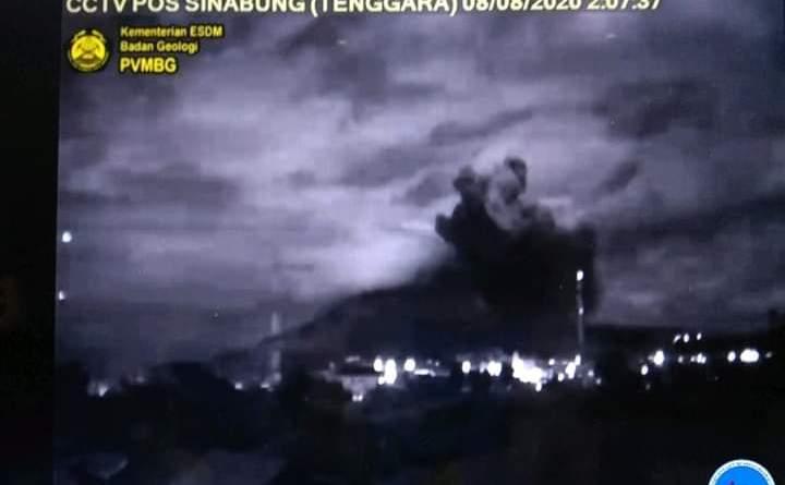 Gunung Sinabung Meletus di Tengah Wabah Covid 19