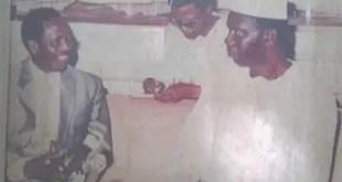 Charles Pascal Tolno (1943-2017) reçu en audience par Général Lansana Conté (photo non-datée et sans-lieu)