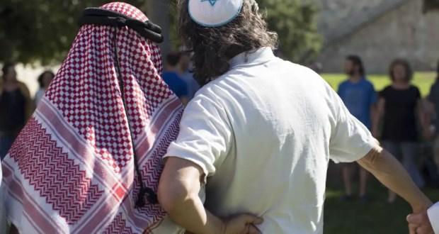 Source http://fr.timesofisrael.com/juifs-et-musulmans-si-loin-si-proche-un-documentaire-a-ne-pas-rater/