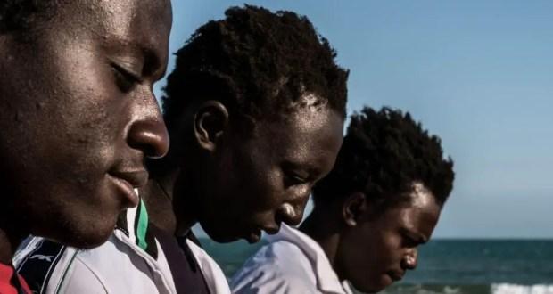 Les enfants d'Afrique subsaharienne sont davantage touchés que les autres groupes de migrants, une différence a priori liée à la discrimination et au racisme. Source. UNICEF