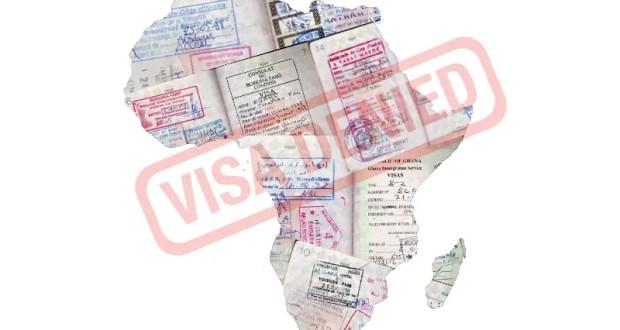 """""""Visa refusé"""". Image représentant le contour de l'Afrique par Natasha Sinegina (CC BY-SA 4.0). Images représentant des visas par Jon Evans (CC BY 2.0). Image recomposée par Georgia Popplewell."""