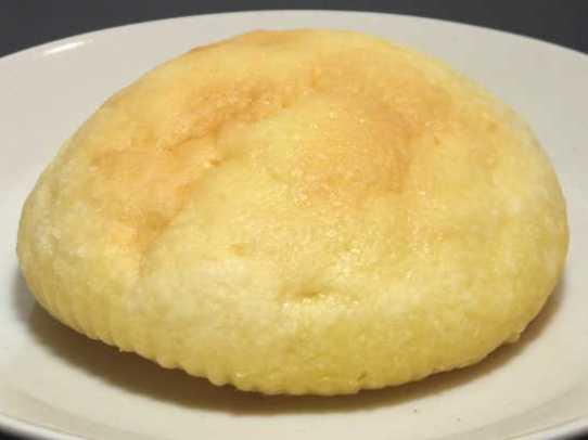コンビニパンだ_バター広がるメロンパン【ローソン】中身01