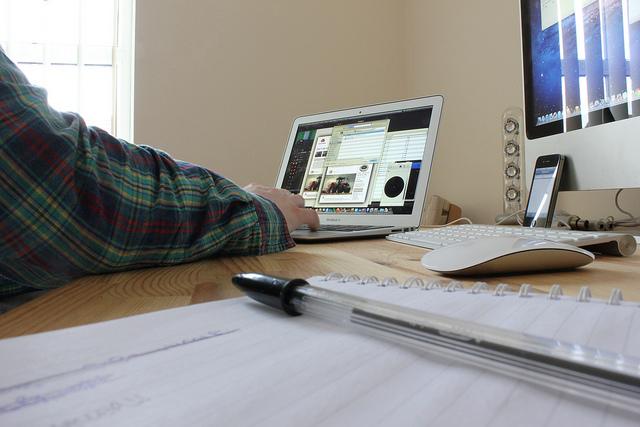 Rodzic pracujący wdomu — jak wygląda to naprawdę Image