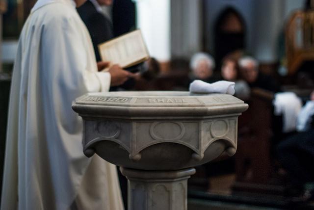 Prezent na chrzest, który zawsze się sprawdzi Image