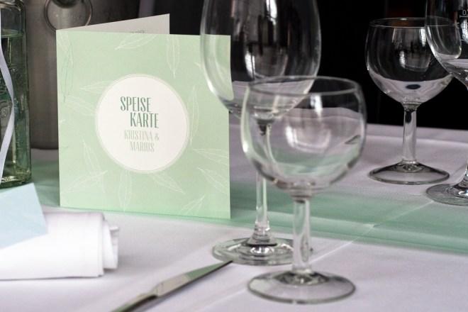 Design Hand in Hand Hochzeit konfettirausch Einladung Speisekarte