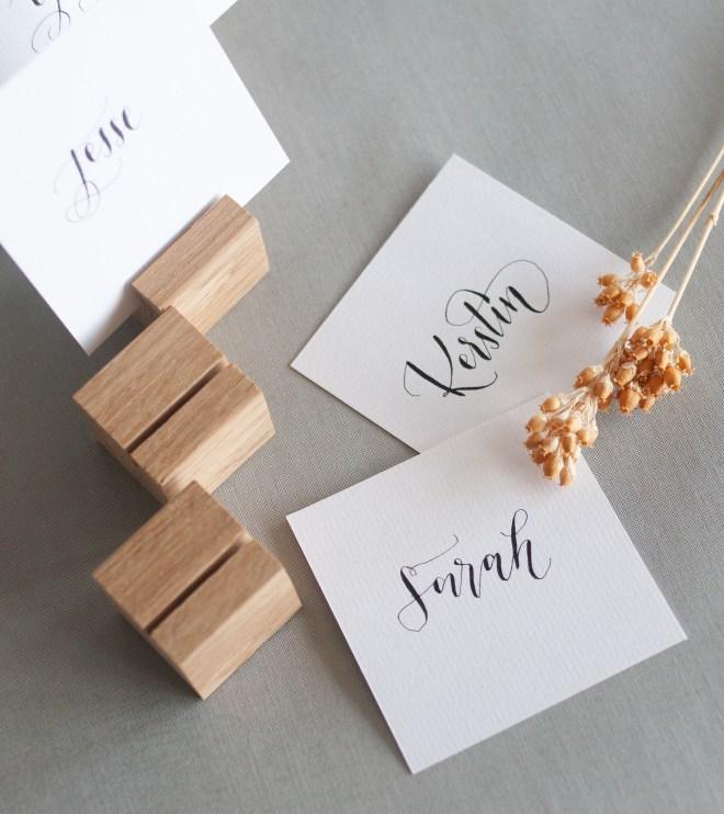 Platzkartenhalter und Namenskärtchen
