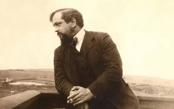 claude debussy picture - Clair de lune sheet music (Claude Debussy music score) in PDF and MP3