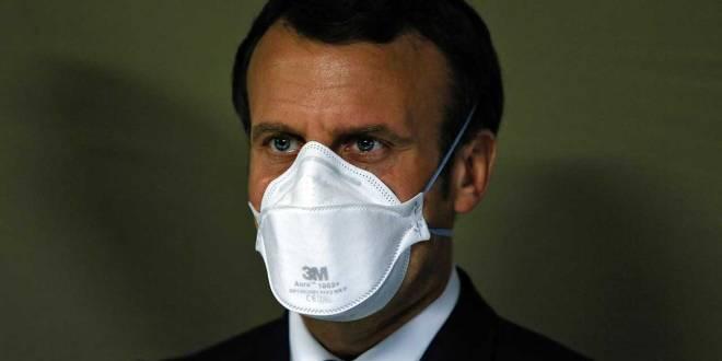 Emmanuel Macron, président français, en mode protection contre Covid-19.