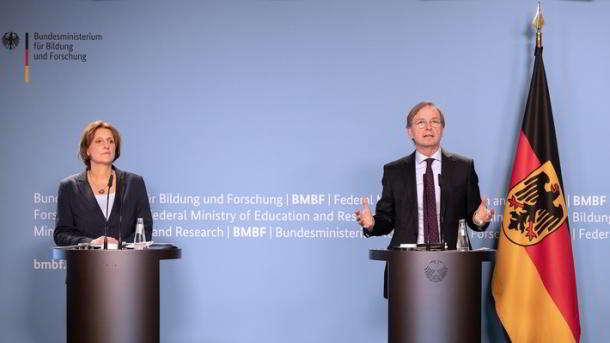 Halbzeit der Nationalen Dekade für Alphabetisierung und Grundbildung