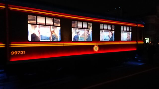 ナイトパレードハリポタ客車