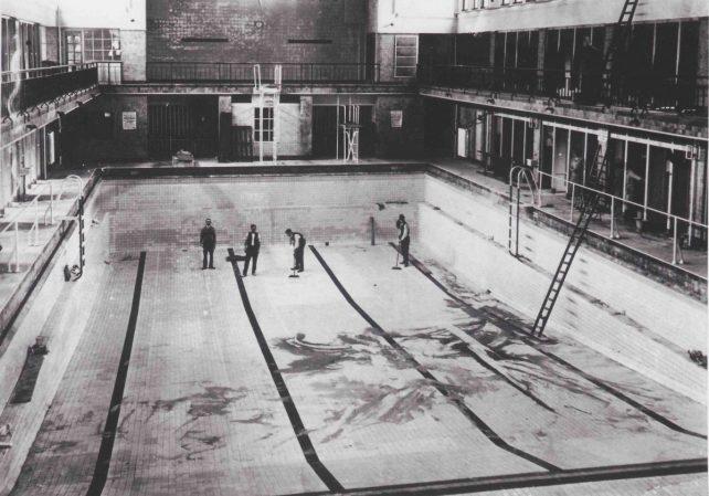 Zwembad De Regentes 100 jaar