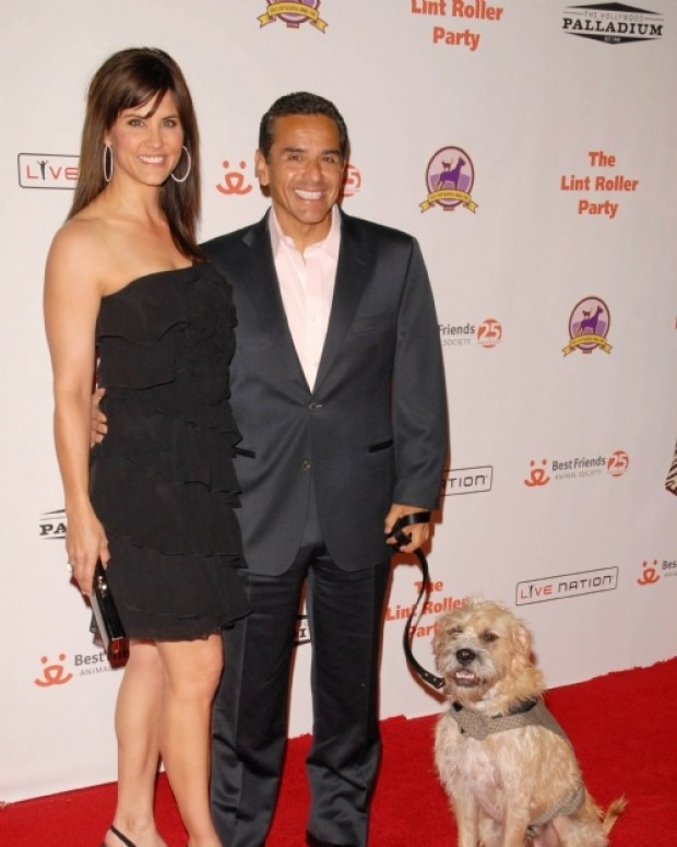 Los Angeles Mayor Antonio Villaraigosa and news anchor Lu Parker.jpg