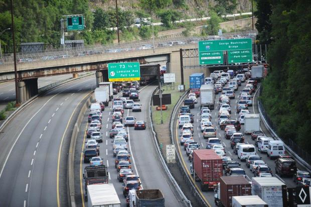 port-authority-officials-closed-lanes-leading-to-the-george-washington-bridge-in-2013-ostensibly-as-part-of-a-traffic-stud