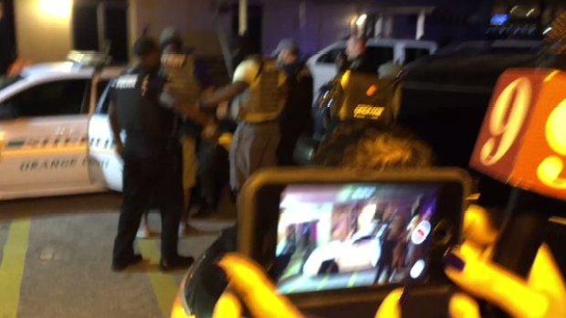 markeith-loyd-bundled-into-police-van2