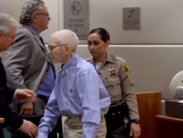 Robert Durst in court in 2017.png