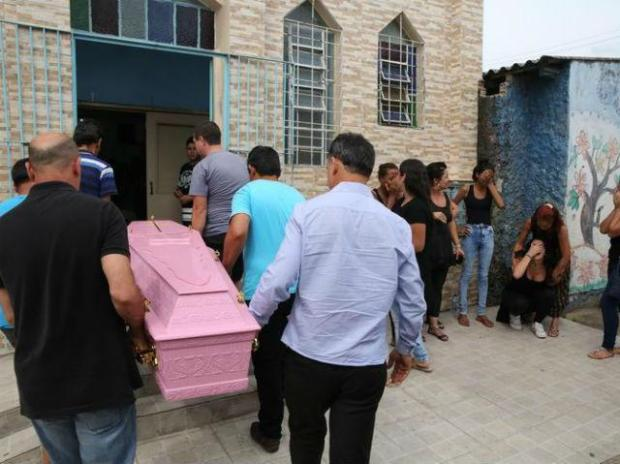 Marta Goncalveswas buried on Friday in a pink coffin at a cemetary in her former home city, Porto Alegre1.jpg