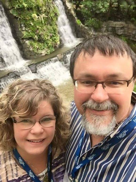 Tad Cummings and daughter in 2016.jpg